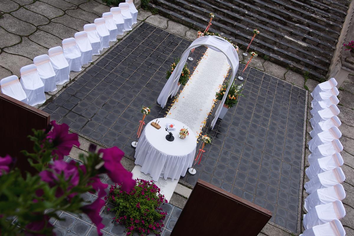 Svatba nádvoří 11